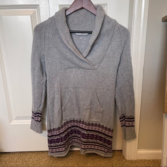 Athleta XS sweater dress with pocket and detail